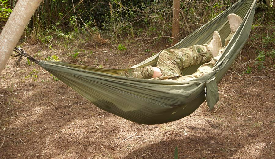 snugpak jungle hammock w  mosquito   lockhart tactical   lowest price on military and law enforcement      rh   lockharttactical